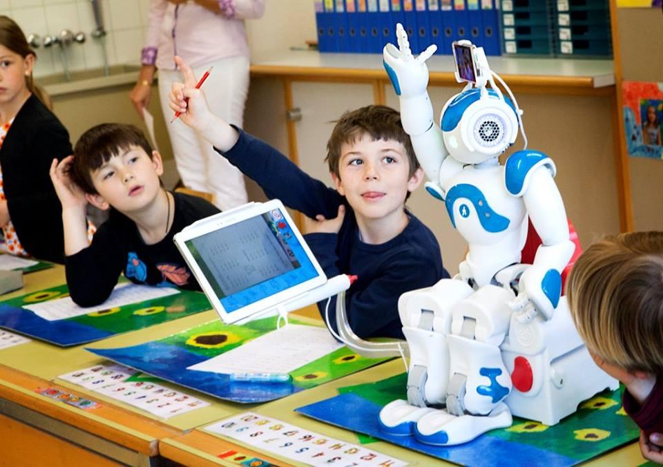 Дистанционная школа «Робототехника + Английский» набирает участников!